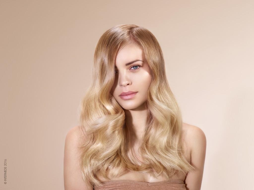 Les pellicules la démangeaison la chute des cheveux du traitement